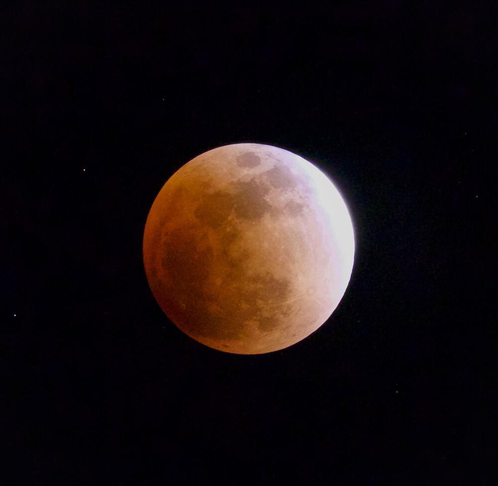 皆既月食でしたね!私がカメラを始めたきっかけのお話です。