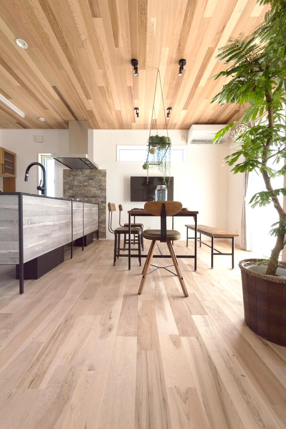 木のフローリング|仕様・設備|アイリスの家
